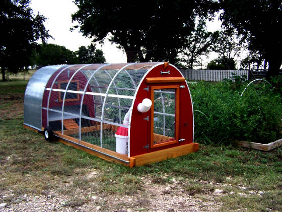 Innovative mobile chicken coop in luling tx for Maintenance free chicken coop