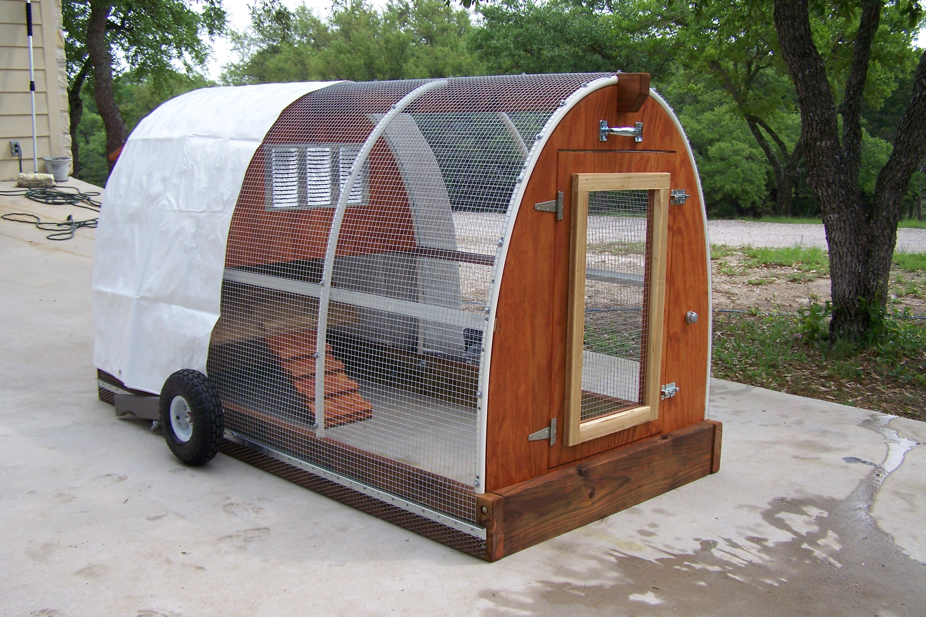 Coop Chikens Free Mobile Chicken Coop Plans